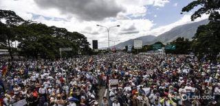 Venezuela'daki Gösterilerde 80 Kişi Öldü