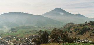 Endonezya'da Yanardağ Patlaması Panik Yarattı