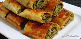 Ispanaklı Lor Peynirli Börek Tarifi