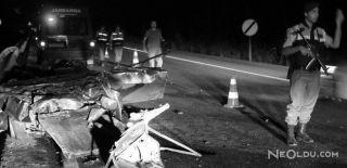 Otomobil Bariyere Çarptı: 3 Ölü, 1 Yaralı