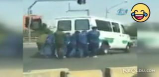 Bozulan Cezaevi Aracını Mahkumlar İtti