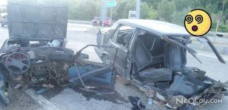 Kazada Otomobil İkiye Bölündü: 4 Yaralı