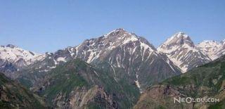 60 Yıl Sonra İran Kandil Dağı'na Bayrak Dikti!