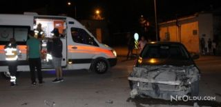 İki Otomobil Kafa Kafa Çarpıştı: 2 Yaralı