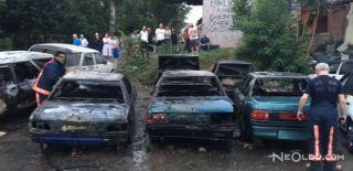 Park Halinde Bulunan 6 Otomobil Alev Alev Yandı