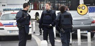 Paris'te Askerlerin Üzerine Araç Sürüldü!