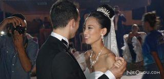 Çinli Gelin Düğününde Göbek Attı