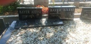 Filiz Aker Kendisi İçin Mezarlık Yaptırmış