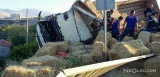 Saman Yüklü Kamyon Devrildi: Ölü ve Yaralılar Var