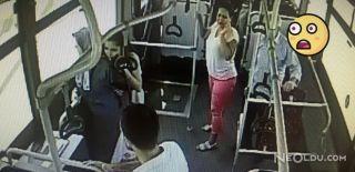 Otobüse Parke Taşıyla Saldırıp Yolcuyu Dövdüler