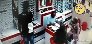 Gözlük Hırsızları Kameraya Yakalandı