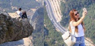 1650 Metrelik Uçurumda Selfie Çılgınlığı