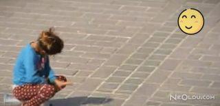 Eminönü'ndeki Darbukacı Kız İlgi Odağı Oldu