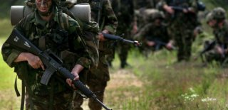 Yeni Askerlik Sistemi Yasası Bayramdan Sonraya Kaldı!