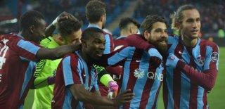 Trabzonspor'da Onur Kıvrak Kadrodan Çıkartıldı