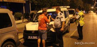 Polisin, 'Sabır Testi' Alkollü Sürücü ile Komik Diyalogu