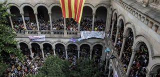 Barcelona Üniversitesi İşgal Edildi