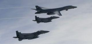 ABD Uçakları Kuzey Kore Semalarında!