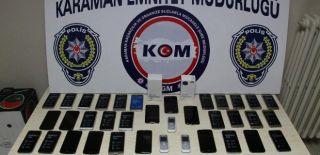 Otomobilde Kaçak Telefonlar Ele Geçirildi