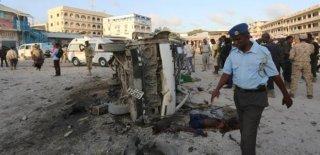 Somali'de Askeri Üsse Saldırı: 17 Ölü