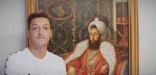 Mesut Özil'den 3.Selim Gafı!