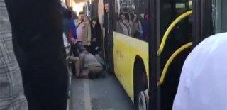 Metrobüs Kazası! Yayaya Çarptı