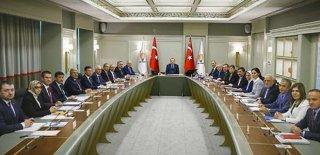 AK Parti'de İstifa Etmeyenler Görevden Alınacak
