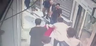 Beyoğlu'nda Esnaftan Gaspçıya Dayak Görüntüleri