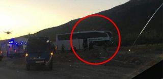 Afyon'da Tur Otobüsü ile Tır Çarpıştı! En Az 20 Yaralı