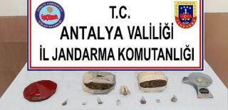 Antalya'da Kaçak İçki ve Uyuşturucu Operasyonu