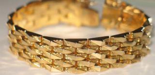 Rüyada Altın Bilezik Görmek Ne Anlama Gelir?