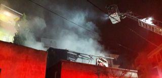 İstanbul'da Bir Gecekondu Alev Alev Yandı