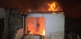 Bakırköy'de Bir Gecekondu Yandı