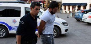 'Hero' Tişörtlü Bir Kişi Gözaltına Alındı!