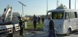 Denizli'de Midibüs ile Yolcu Minibüsü Çarpıştı!