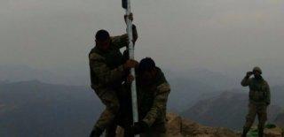 Kuzey Irak'ın Zap Bölgesine Türk Bayrağı Dikildi