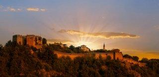 Alanya Kalesi Efsanesi, Özellikleri ve Kale Hakkında Tarihi Bilgi