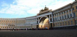 Versay Sarayı Hikayesi ve Paris Bahçeleri