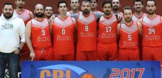 Yıldız Holding Basketbol Takımı Eti'yi Mağlup Etti