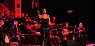 2019 Yılbaşı Programı Hilton İstanbul Maslak Hotel Şevval Sam Konseri