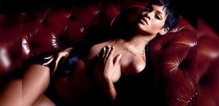 Rihanna'nın Verdiği Kilolar Geceye Damga Vurgu