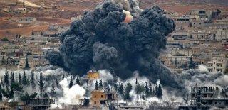 Esad'ın Ordusu İdlib'i Bombalamaya Devam Ediyor
