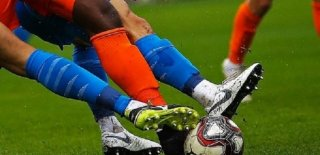 Başakşehir Evinde Göztepe'ye 2-0 Yenilerek Şampiyonluğu Riske Attı