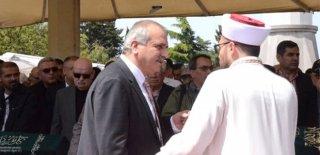 İYİ Partili Vekil Ahmet Çelik'ten Cenazede Şaşırtan Tepki: Mekanı Cehennem Olsun!