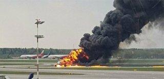 Rusya'da Uçak Yandı! En Az 40 Ölü!