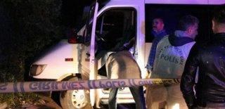 Şoför Servis İçinde Silahla İntihar Etti!