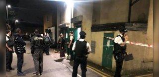 Camilere Saldırı Bitmiyor! Londra'da Saldırgana Cemaat Engel Oldu!