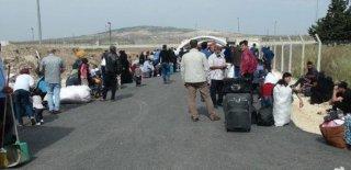 Suriyeliler Yolda! Ülkelerine Dönüyorlar!