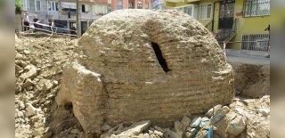 Üsküdar'dan Çıktı! Binanın Temel Kazısında Tarihi Kalıntılar!