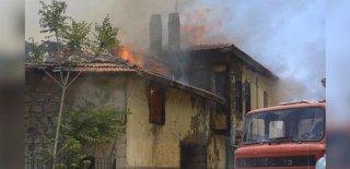 Bahçede Ateş Yaktı Bir Ev ve İki Araç Yandı!